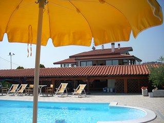 Residence Terrabianca Appartamento in villa con piscina a Km 5 dal mare