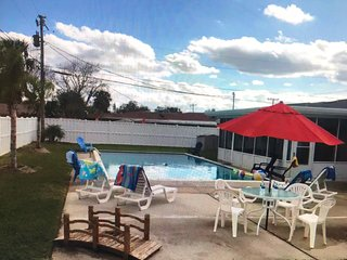BEACHSIDE  HOME POOL  PRIVACY &  AMENITIES **BOOK BY 12/31 FOR 10% DISCOUNT**