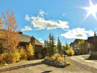 Timberline Lodges - 611 Juniper