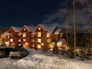 Timberline Lodges - 540 Balsam