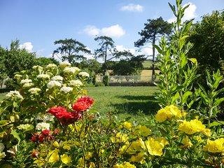 Profitez du jardin et des extérieurs en toute tranquillité.