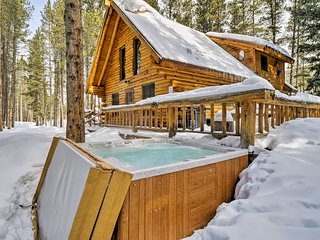 Quintessential Breckenridge Cabin w/ Hot Tub!
