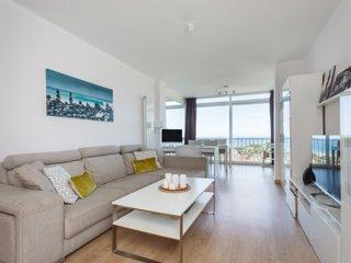 HHBCN Sea view apartment Castelldefels