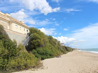 Fantastica casa en Roda de Bara, en primera linea de mar!