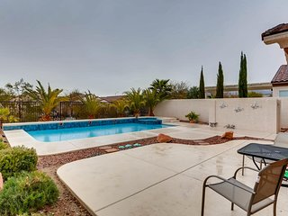 3 Br, 2 Ba with heated pool/spa and mountain views.