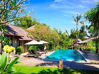 Garden & Pool View - MVO47