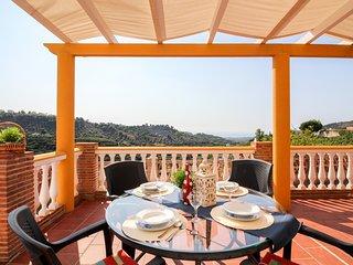 Villa costera con piscina y espectaculares vistas!