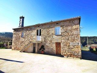 Ref. 11940 Tipica casa gallega en la Marina lucense