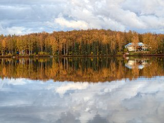 Remote Lakefront Nature Lodge! Perfect for large groups! Close to Anchorage!