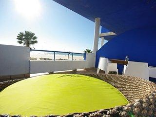 106 - Apartamento frente al mar con piscina