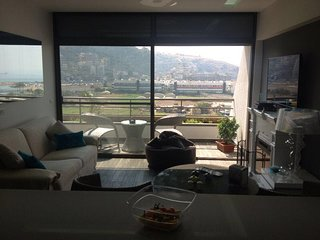 De luxe chalet apartment 2 bedrooms with large balcony and sea view