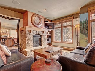 Luxury Ski in Ski out Living in one of Keystone's Nicest Buldings!