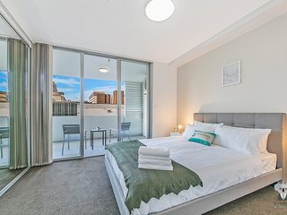 Ultra Urban Living | Close to All- 4 Min to UTS