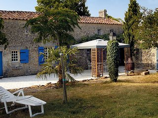 2 bedroom Villa in Sainte-Gemme, Nouvelle-Aquitaine, France - 5046841