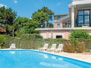 1 bedroom Apartment in Arcachon, Nouvelle-Aquitaine, France : ref 5060951