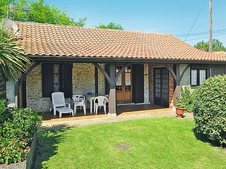 2 bedroom Villa in Mimizan-Plage, Nouvelle-Aquitaine, France : ref 5036836