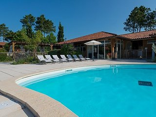 2 bedroom Apartment in Biscarrosse, Nouvelle-Aquitaine, France : ref 5083237