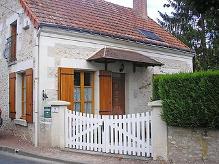 3 bedroom Villa in Luzille, Centre, France : ref 5050173