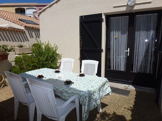 1 bedroom Villa with WiFi and Walk to Beach & Shops - 5050290
