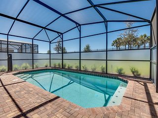 Brand new 6 BR / 5.5 BA home with private pool minutes from Disney!