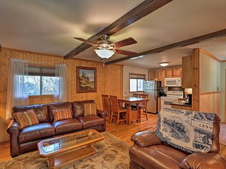 NEW! 2BR 'Reed Cabin' - 3 miles to Ski Cloudcroft!