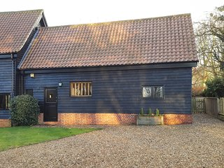 Holiday Barn - historical 17th century converted barn in Bury St Edmunds