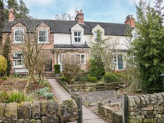 17 RIVERSIDE, homely accommodation, lovely gardens, central location, in
