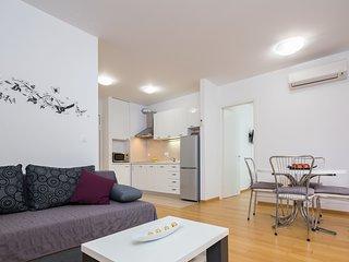 Apartment MANI - One-Bedroom Apartment