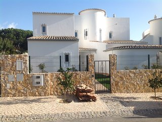 Casa do Laranjal - Luxury Villa on golf course (sleeps 8-10)