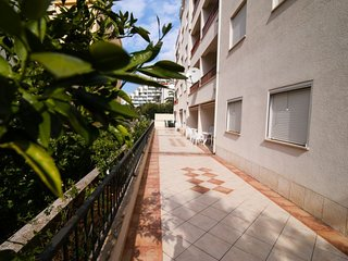 1 bedroom Apartment with Air Con, WiFi and Walk to Beach & Shops - 5584108