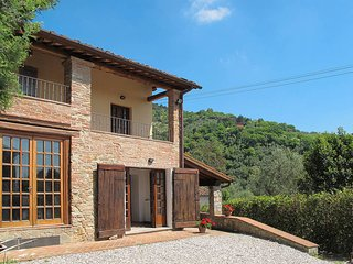 4 bedroom Villa in Lucca, Tuscany, Italy : ref 5447207