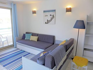 1 bedroom Apartment with Pool, WiFi and Walk to Beach & Shops - 5700077