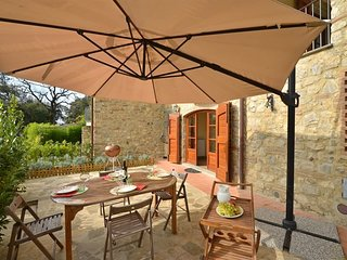 2 bedroom Apartment in Villa A Sesta, Tuscany, Italy : ref 5240744