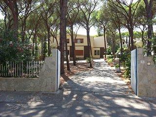 Santa Margherita di Pula - Pela Marina - Appartamento  Piano Terra in villa