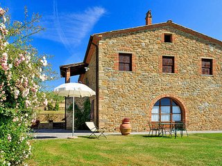 4 bedroom Apartment in Civitella in Val di Chiana, Tuscany, Italy : ref 5446299