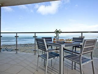 Castaways, Westward Ho! located in Westward Ho!, Devon
