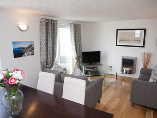 Coastguard View - Two Bedroom Apartment in St Ives with parking - Sleeps 4