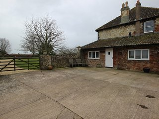 Lovely One Bed Self Contained Annexe in Chew Valley with Breakfast. Dog Friendly