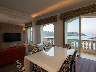 BRAND NEW SPECTACULAR GRAND HARBOUR APARTMENT SENGLEA