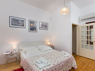 Artist apartament - centrally located