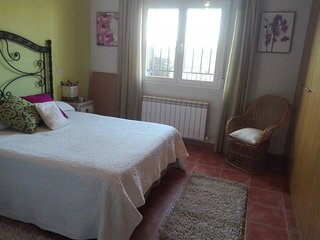 ROOM & BREAKFAST/ BATHROOM TOLEDO /CAMARENA 'TIERRA DE VINO'