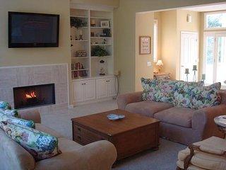 Luxury Rental-4BR/4.5 BA; Fiberglass Pool/Spa;Fazio Golf View!