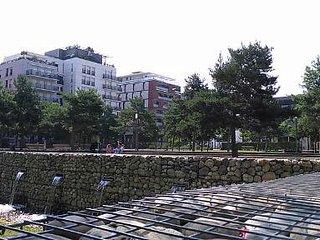 Parc à côté de l'immeuble_01