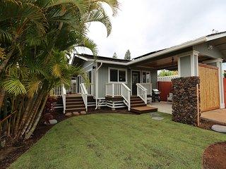 New luxury cottage w/ private saltwater hot tub-walk to ocean/restaurants/shops