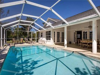 Quiet Retreat, 3 Bedrooms, Heated Private Pool, Sleeps 6 - House