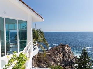 Villa Calypso | Hermosa villa sobre acantilado con alberca Zipolite