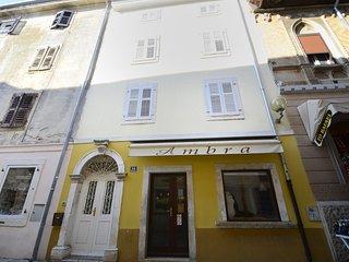 Town House Ornela