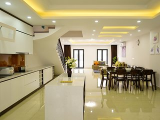 Newstar Villa Ha Long- 4 bedrooms, entire place