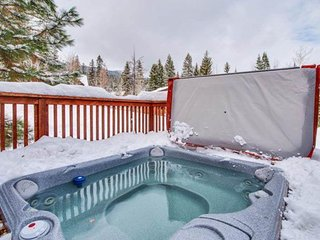 NEW LISTING! Spacious cabin with private hot tub near resort, lake, and more!
