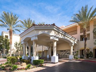 4 Star Resort Condo ~ 1 Bd/Ba holds 4 ~ Full Kitchen + W/D - Families & Couples